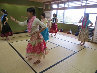 楽しく誰でも簡単に踊れるフラダンス体験(2日制)