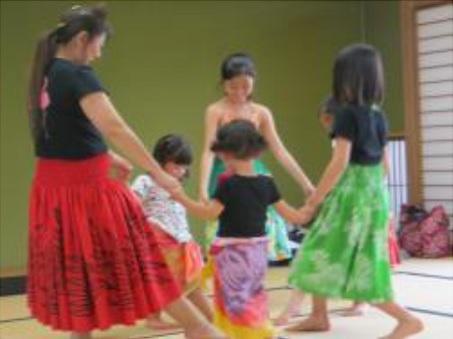 楽しく誰でも簡単に踊れるフラダンス体験A・B・C(2日制)