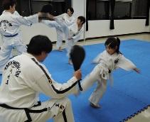 華麗な足技・テコンドー体験講座A・B(2日制)
